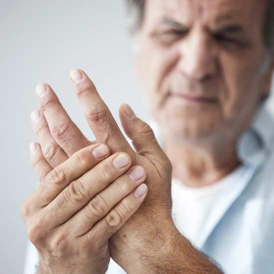 Soigner l'arthrite par un chiro